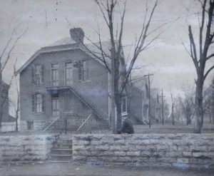 West Side Row, 1900